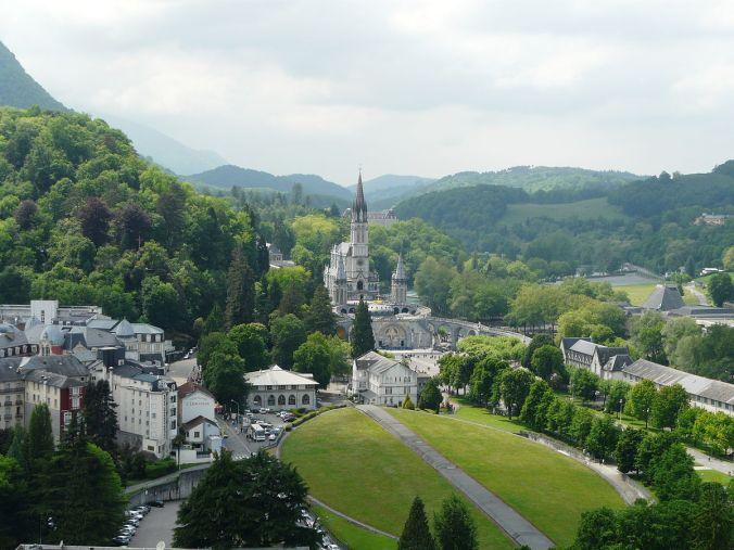 SANCTUARY-Lourdes_basilique
